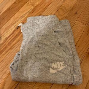 Woman's nike jogger pants